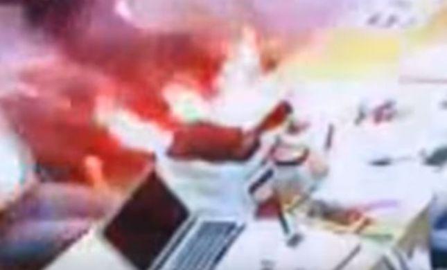 צפו: מכשיר אייפון התפוצץ- והוביל לפציעת הלקוחות