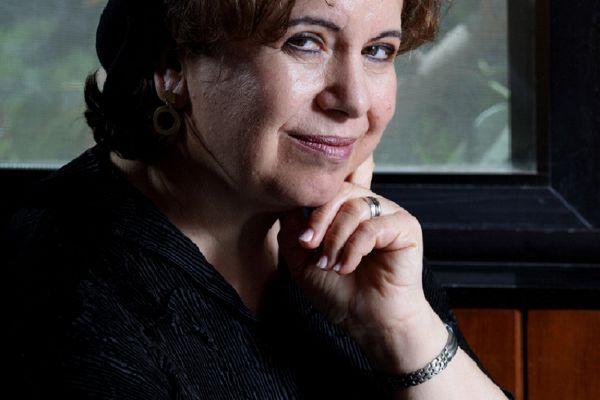 הסופרת הידועה שהצביעה ימינה חושפת את דעתה