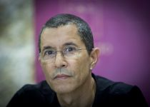 """דרמה: אלי טביב עוזב את בית""""ר ירושלים"""