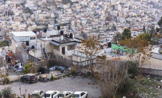 3 ילדים נשכחו למוות ברכב במזרח ירושלים