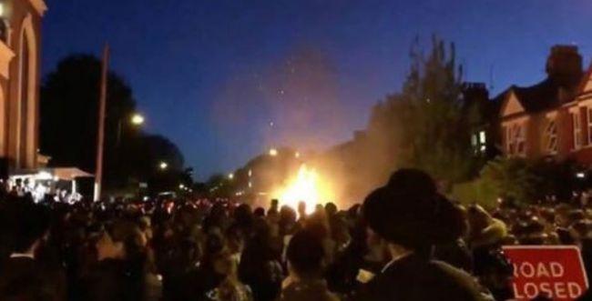 """אסון במדורה: 30 פצועים בחגיגות ל""""ג בעומר בלונדון"""