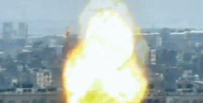 """צפו: צה""""ל משמיד עמדה של חמאס ותוקף חולית מחבלים"""