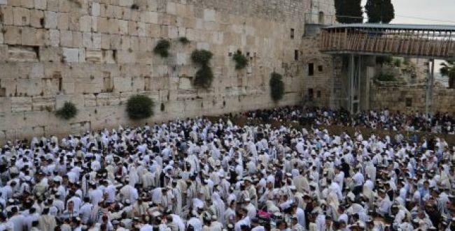 יום ירושלים: בין התחיה הגשמית לתחיה הרוחנית