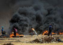 עשרות אלפים מפגינים בגבול עזה; 41 הרוגים