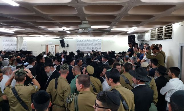 מאות נענו לקריאה והשתתפו בהלווית החייל