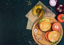 יום שכולו המבורגר: מתכון שתשמחו לאמץ היום