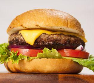 """מבזקים, שו""""ת שו""""ת: האם מותר לאכול את הצ'יזבורגר הכשר?"""