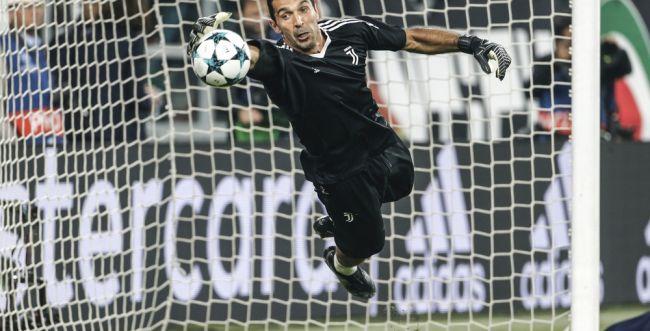 אחרי 18 שנה: כוכב הכדורגל האיטלקי עוזב את קבוצתו