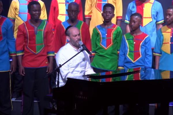 מיוחד: יונתן רזאל ומקהלה מאפריקה שרים קרליבך•צפו