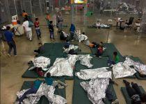 """זעזוע בארה""""ב: ילדי מהגרים הופרדו מהוריהם"""