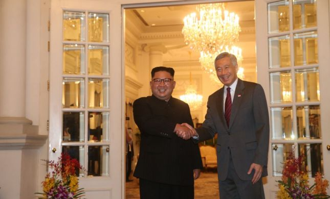 """רה""""מ בסינגפור לג'ונג און: """"מקווה שתקדם את השלום"""""""