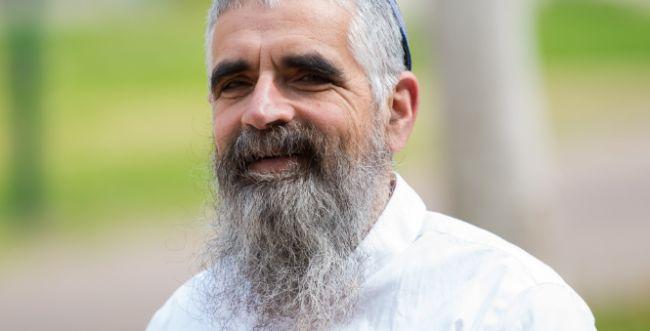 הרב יובל שרלו נגד הקריאה לממשלת אחדות