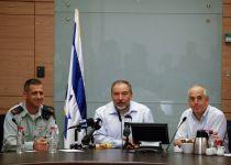 ליברמן מונע מקצינים להופיע בדיונים של הכנסת