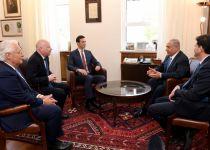 """בדרך להסכם: נתניהו נפגש עם שליחי ממשל ארה""""ב"""