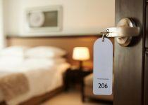 """מה צריך לבדוק כשמזמינים בית מלון בארץ וחו""""ל"""