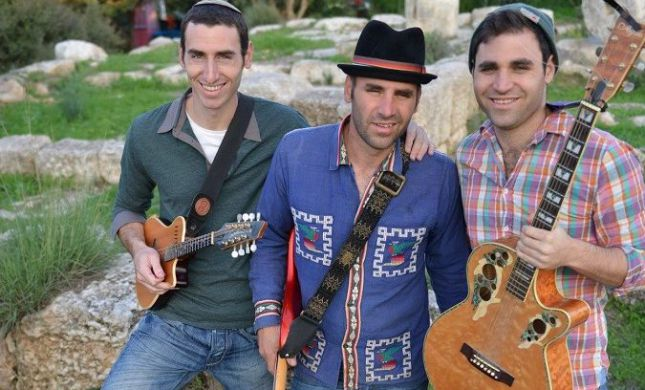 האחים סולמון בשיתוף פעולה עם כוכב 'דה וויס'