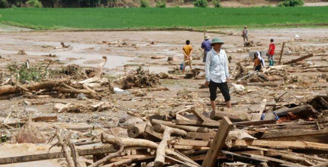 וייטנאם: 21 הרוגים ועשרות נעדרים בעקבות שיטפונות