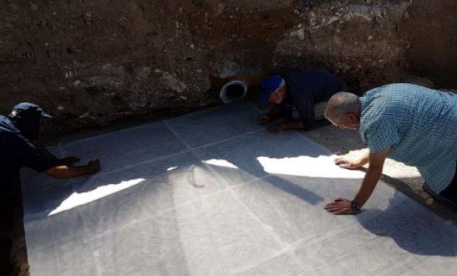 מרהיב: פסיפס בן 1700 שנה נחשף בלוד. תיעוד
