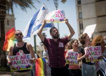 """סקר: 58% ממצביעי הבית היהודי בעד מחאת הלהט""""ב"""