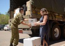 צפו: תושבי הגולן מעבירים חבילות לפליטים בסוריה