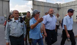 חדשות, חדשות פוליטי מדיני, מבזקים אחרי מות החייל: התנאי של ליברמן לתושבי עזה