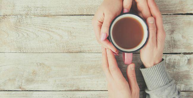 עצה להורים: כך תוכלו לשתות קפה כשהוא חם