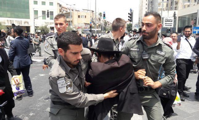 חרדים קיצונים חוסמים כבישים בירושלים; 37 נעצרו