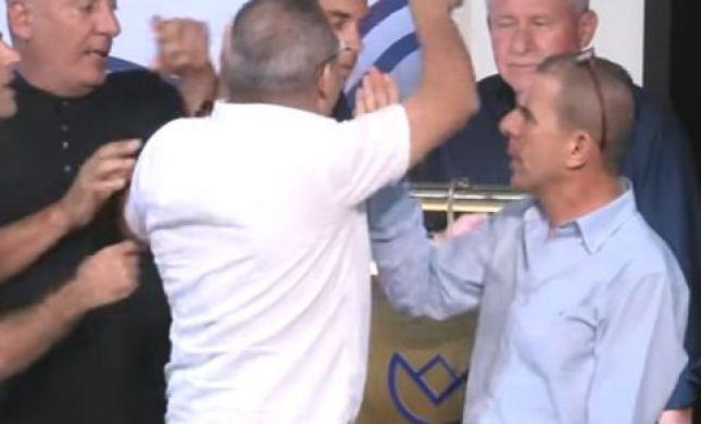 צפו: דיכטר מותקף על ידי פעילים דרוזים