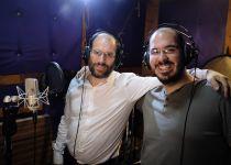שבים לקרליבך: אהרן רזאל מתארח אצל להקת נשמחה