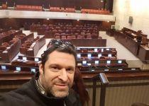 """""""ארי פולד לוחם הסברה; גיבור ישראל"""""""