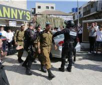 חדשות חרדים תיעוד: 3 חיילים הותקפו וחולצו ממאה שערים