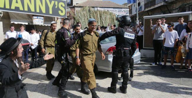 תיעוד: 3 חיילים הותקפו וחולצו ממאה שערים