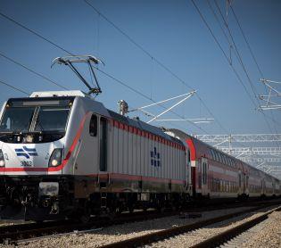 חדשות, חדשות בארץ, מבזקים תקלה על הפסים: רכבת בדרכה לי-ם נתקעה במנהרה