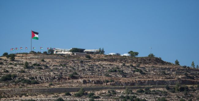 הפלסטינים דורשים מעסקים ישראלים 360 מיליון דולר
