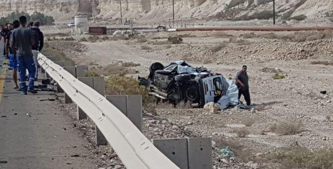 תאונה קטלנית: זוג הורים ותינוק נהרגו בהתנגשות רכב לאוטובוס