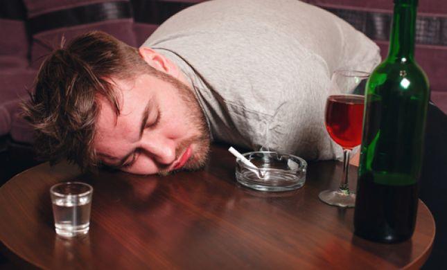 בית הדין חייב אלכוהוליסט להתגרש לאלתר