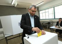 """אלקין בקלפי: """"קורא לתושבי ירושלים- צאו להצביע"""""""