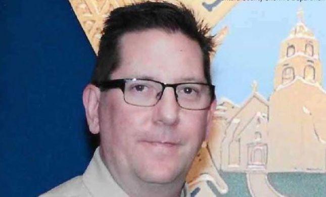 """""""מת כגיבור"""": סגן מפקד המשטרה בקליפורניה נרצח"""