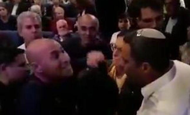 צפו: ראש העיר שדרות מותקף בישיבה החגיגית
