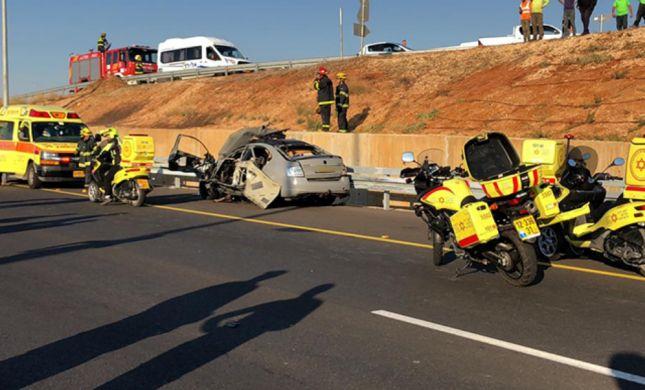 הרוג ושני פצועים בפיצוץ רכב בכביש החוף