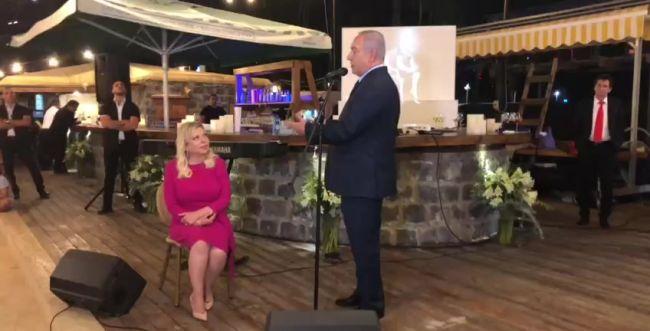 צפו: ראש הממשלה מקדיש ברכת יום הולדת לרעייתו