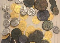 סוכלה הברחת 70 מטבעות עתיקים