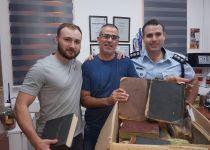 רגע לפני שנמכרו: המשטרה הצילה ספרי קודש נדירים