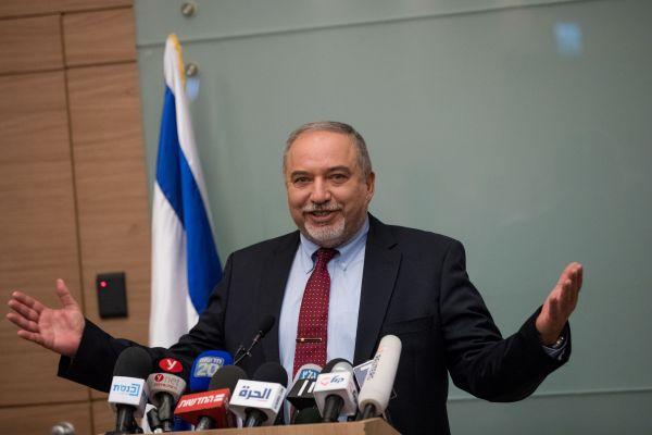 ישראל ביתנו: איש הליכוד התנצל, מסירים את התביעה