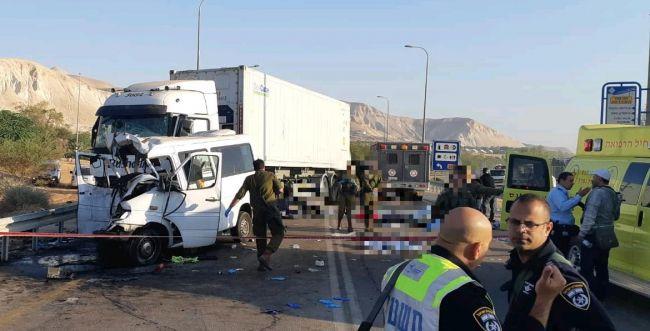שישה הרוגים בתאונה קשה בכביש 90