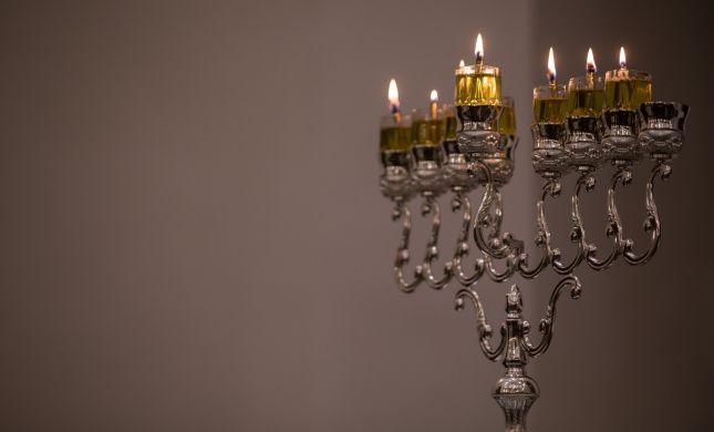 פניה למלונות:  הסדירו מקום להדלקת נרות חנוכה כהלכה