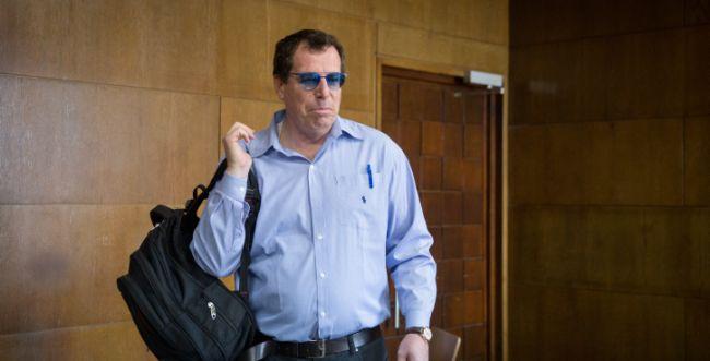 הסוף לפרשת המסמך: בועז הרפז הורשע בעבודות שירות
