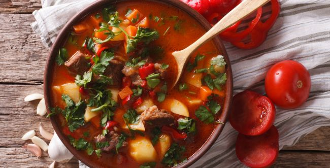 סורגים ארוחת שבת: מתכון לקדירת בשר עסיסית