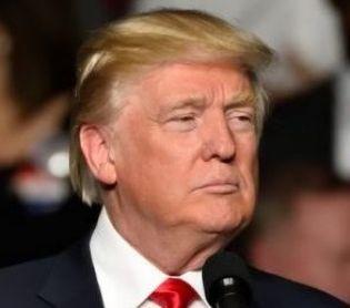 """חדשות בעולם, מבזקים טראמפ תוקף: """"טוויטר הסירו עוקבים מהחשבון שלי"""""""