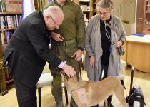 זכה לכבוד הנשיא: הכלב שלכד את המחבל מברקן